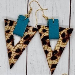 ✨NEW✨Leopard & Turquoise Earrings!